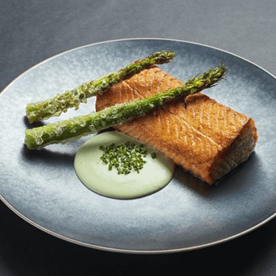 grilled-salmon-with-asparagus-and-wasabi-creamy-sauce